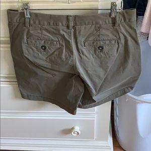 Banana Republic Shorts - Banana Republic Size 10 Olive Green Bermuda Shorts